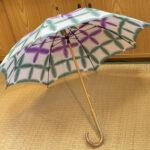 雪花絞り傘白地に緑紫